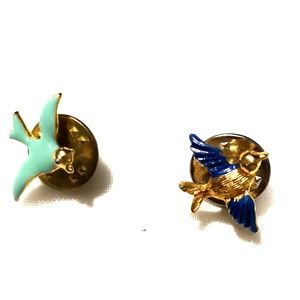 Jewelry - Gold toned Painted Flying Bird Pins